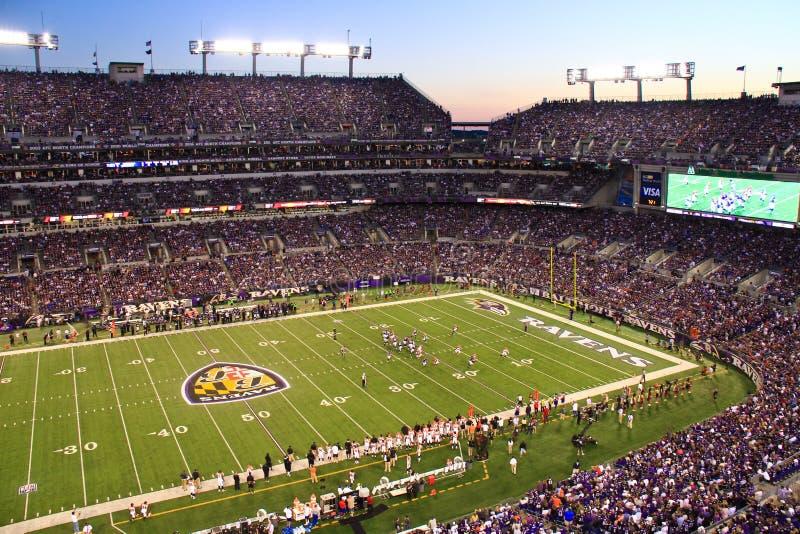 Crépuscule du football de nuit de NFL lundi à Baltimore photographie stock libre de droits