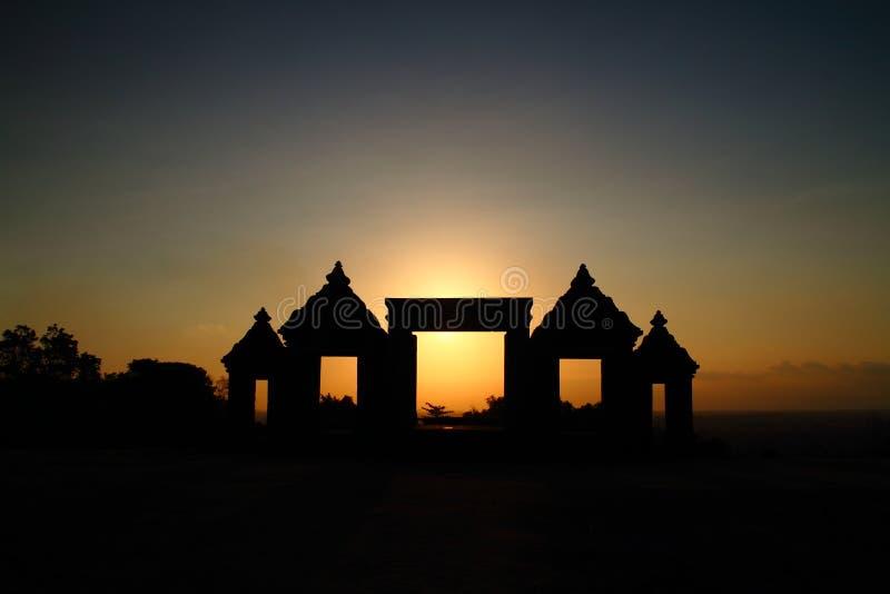 Crépuscule sur le château antique de Ratu Boko photos libres de droits