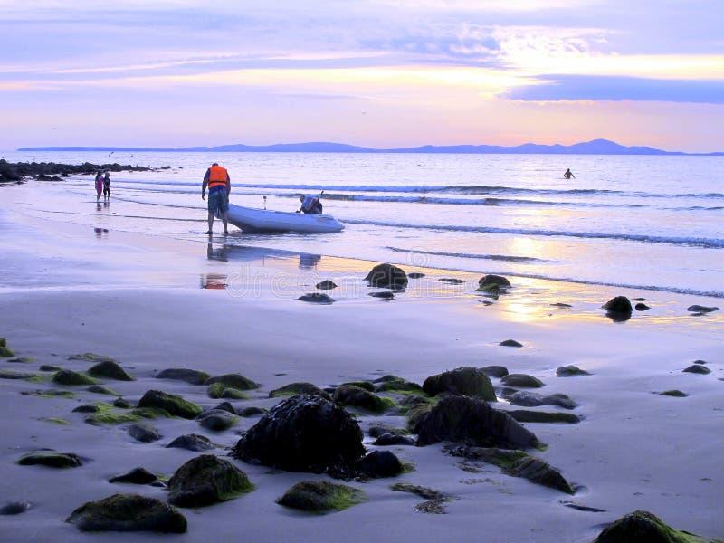 Crépuscule sur Shell Island, Pays de Galles. image stock