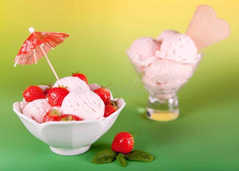 Crême glacée de fraise photo libre de droits