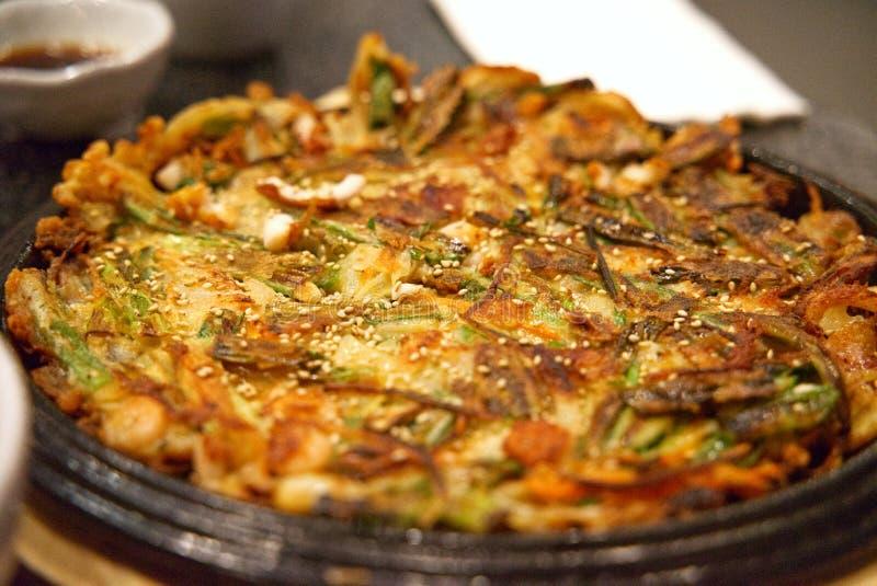 Crêpe coréenne ou Haemul Pajeon de fruits de mer photos stock