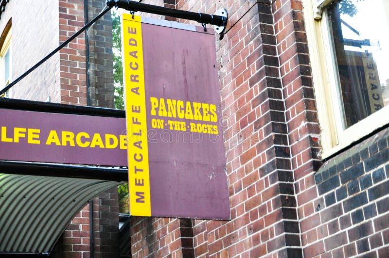 Crêpe sur le logo de restaurant de roche, il restaurant célèbre du ` s à Sydney, situé à sur la route de Hickson, aux roches photographie stock