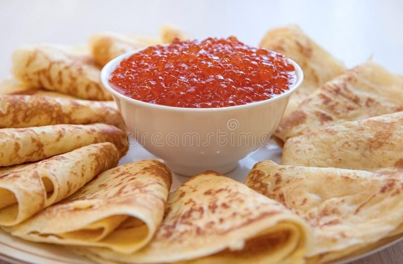 Crêpes avec le caviar images libres de droits