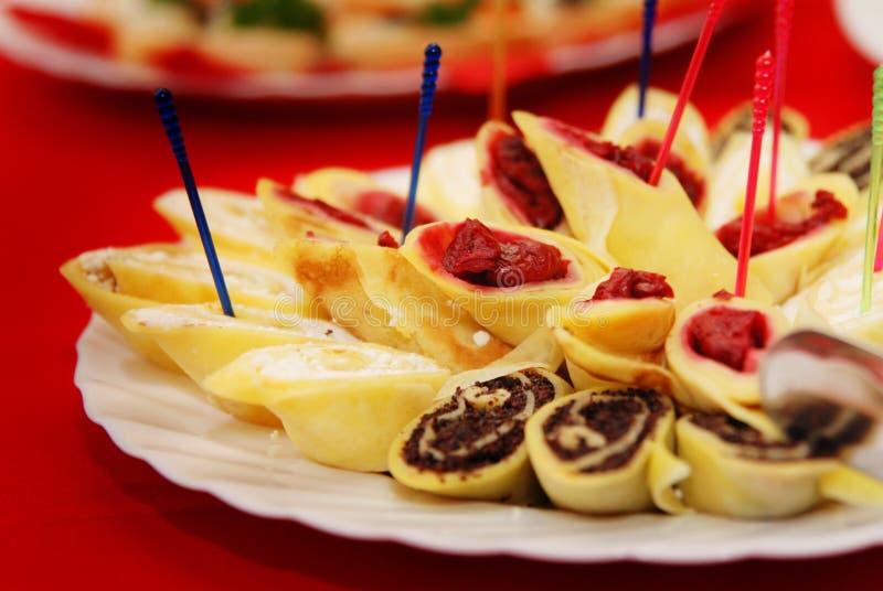 Crêpes avec le fromage blanc images stock