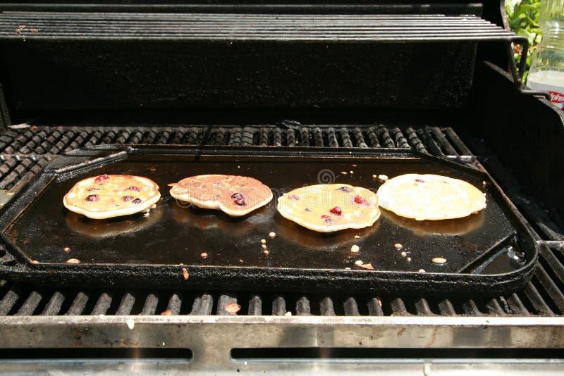 Crêpes de myrtille pour le déjeuner images stock