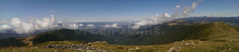 Crête de Bihor dans les montagnes d'Apuseni image stock