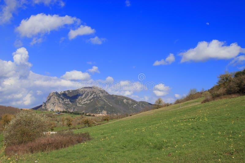 Crête de Bugarach dans le Corbieres, France photos stock