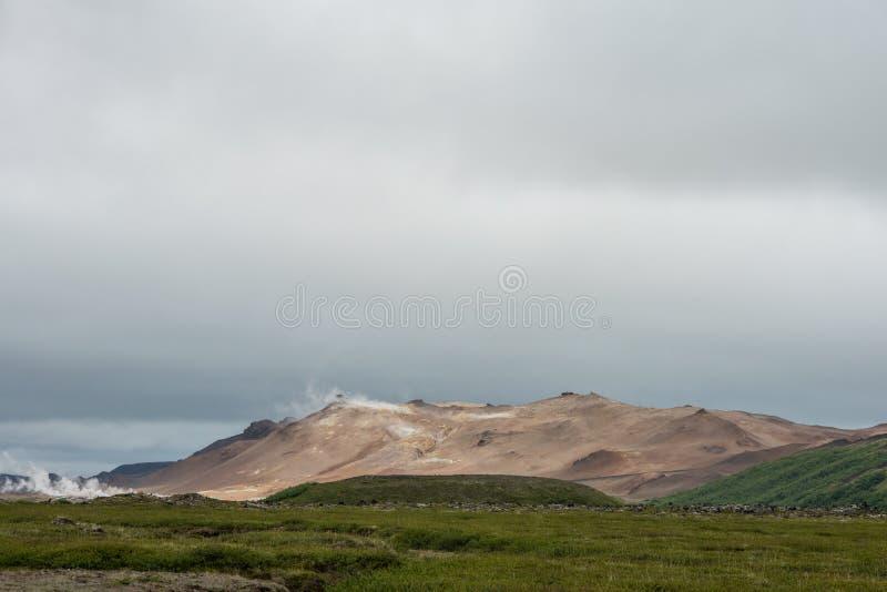Crête volcanique de Hverarond près de lac Myvatn photo stock
