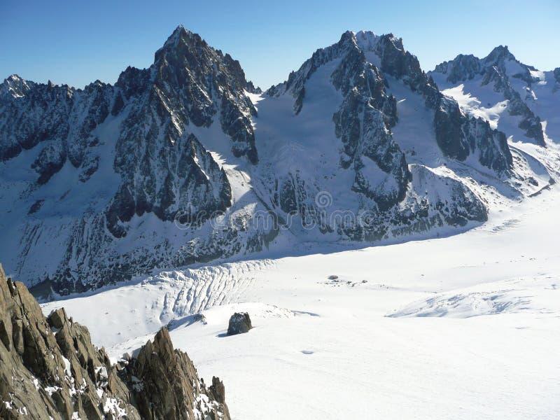 Crêtes de Milou dans les Alpes européens photographie stock libre de droits