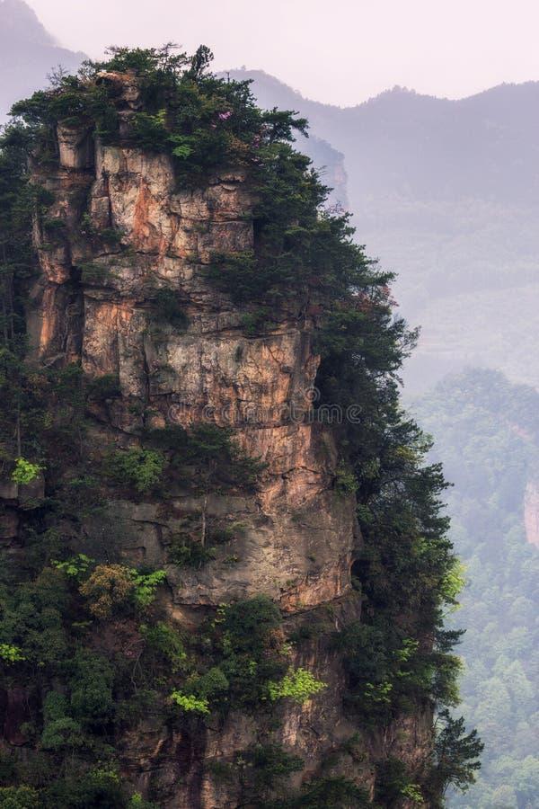 Crêtes de montagne grandes de yuanjiajie photos stock