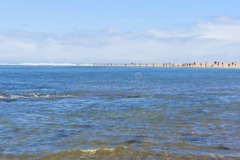 Crabbing и рыбная ловля на заливе Siletz стоковые фотографии rf