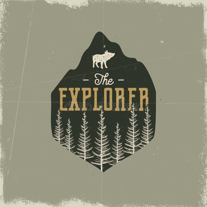 Crachá de acampamento dos animais selvagens O explorador Logo Emblema da aventura da montanha no estilo retro da silhueta Caracte ilustração stock