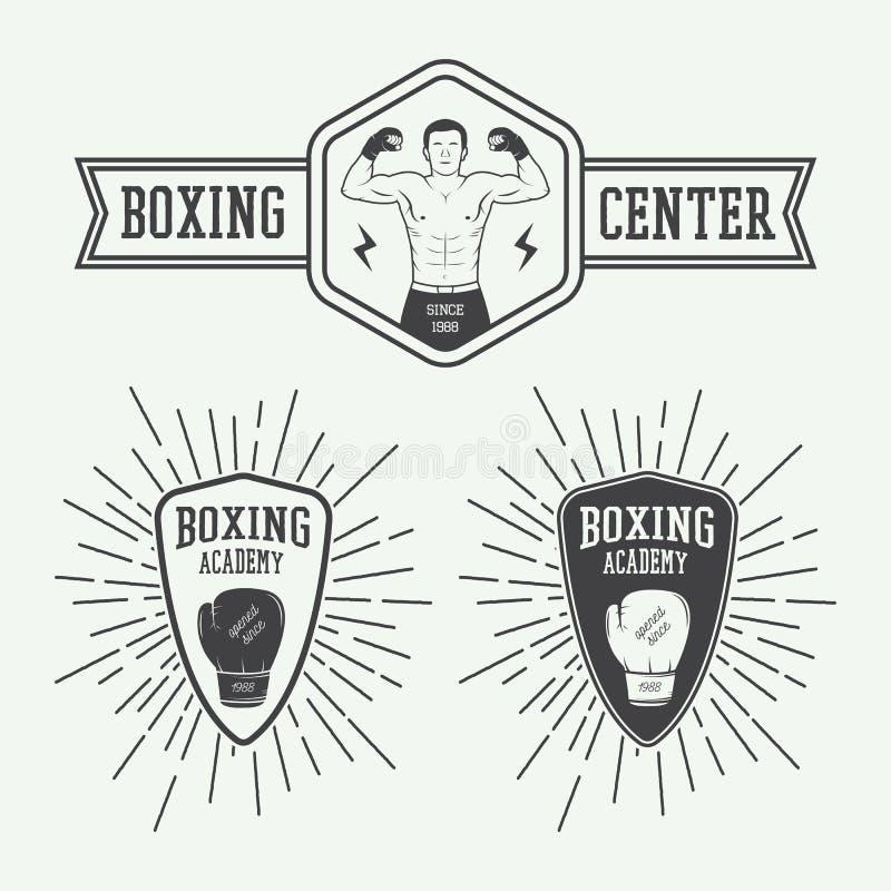 Crachás e etiquetas do logotipo do encaixotamento e das artes marciais no estilo do vintage ilustração do vetor