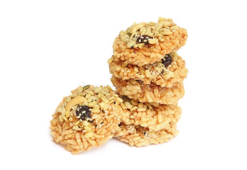 Cracker croccante del riso isolato su bianco fotografie stock libere da diritti