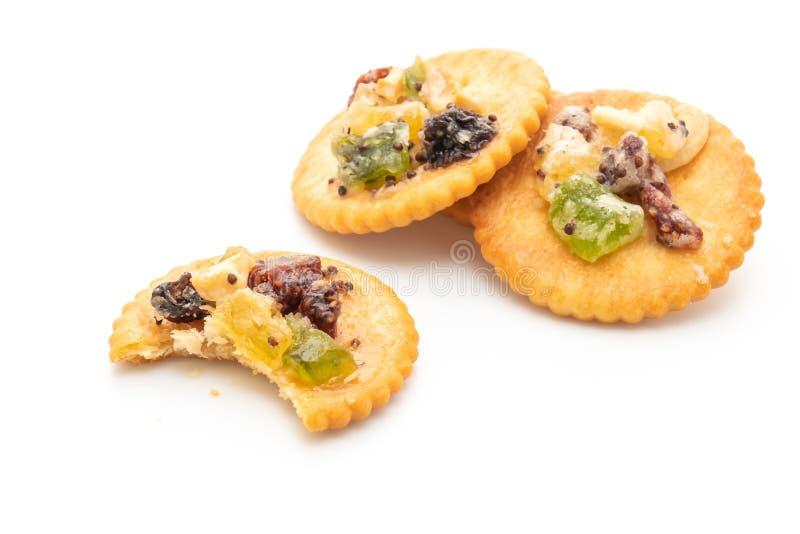 Crackerkeks mit Trockenfrüchten lizenzfreie stockfotos