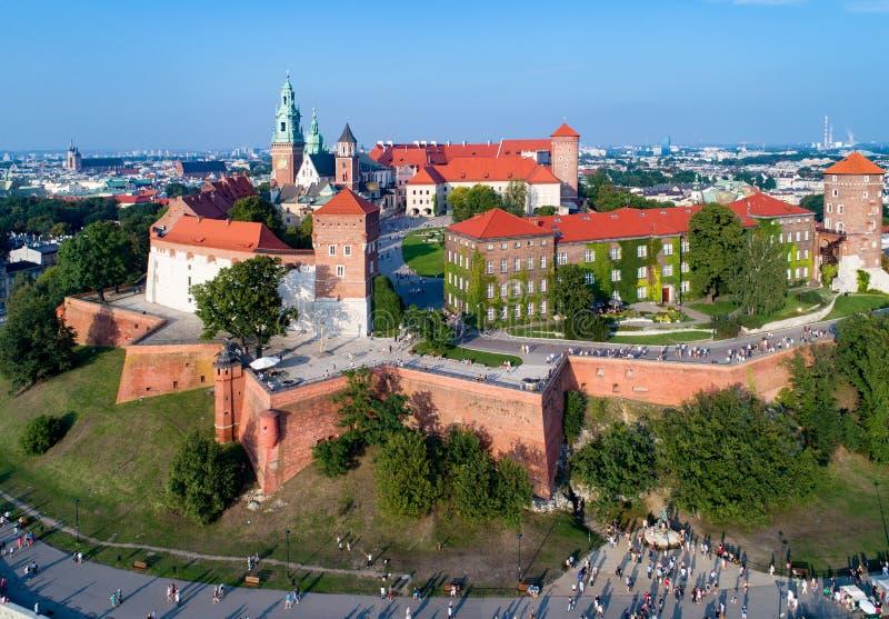 Cracovia, Polonia Collina, cattedrale e castello di Wawel immagini stock libere da diritti