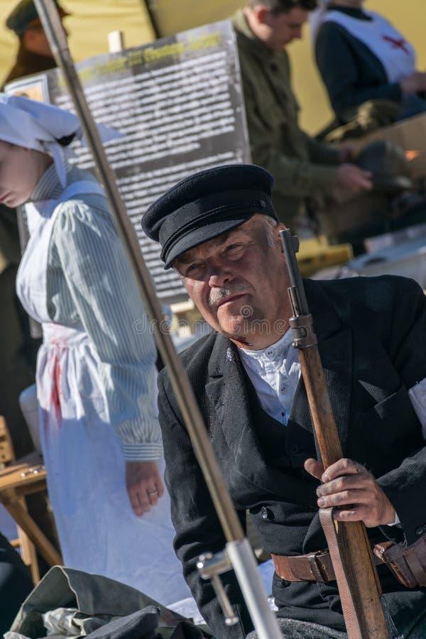 Cracovie, Pologne - 23 septembre 2018 : homme ninjured habillé dans le costume polonais d'uniformes de la Première Guerre Mondial images libres de droits