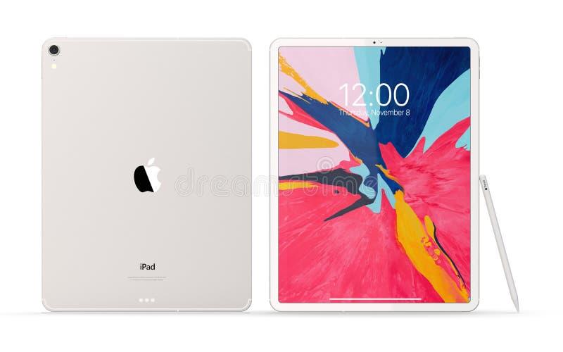 Cracow, Польша - 31-ое ноября 2018: iPad Pro новая версия планшета от Яблока стоковое фото
