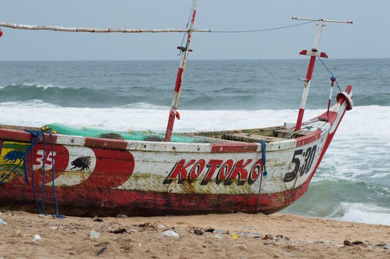Craft a canoa no lado do mar fotografia de stock