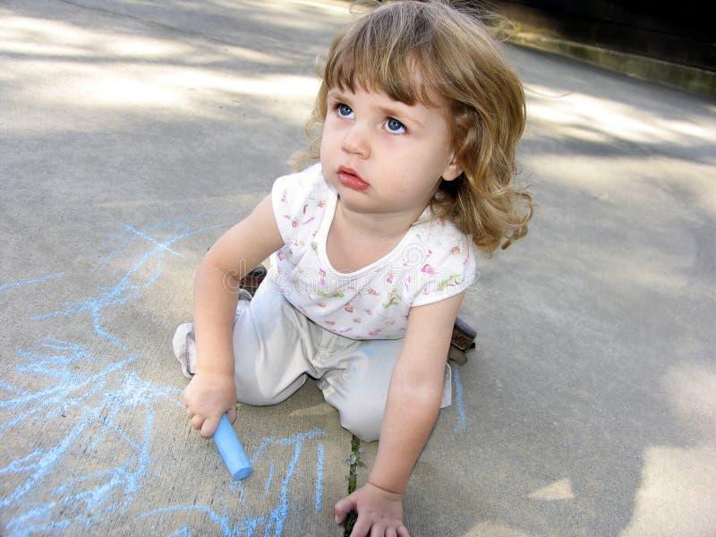 Craie de trottoir d'école maternelle photo libre de droits
