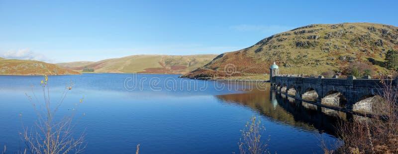 Craig Goch reservoir en dam, Elan Vallei Wales. stock foto's