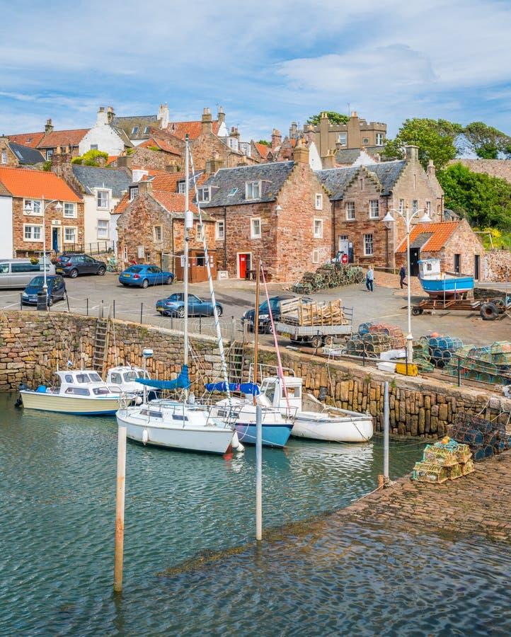 Crailhaven, klein vissersdorp in Fife, Schotland stock foto's