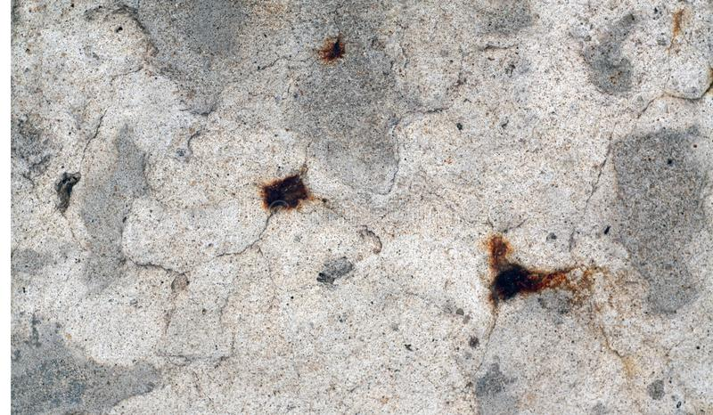 Craked red ut cementväggtextur arkivfoton