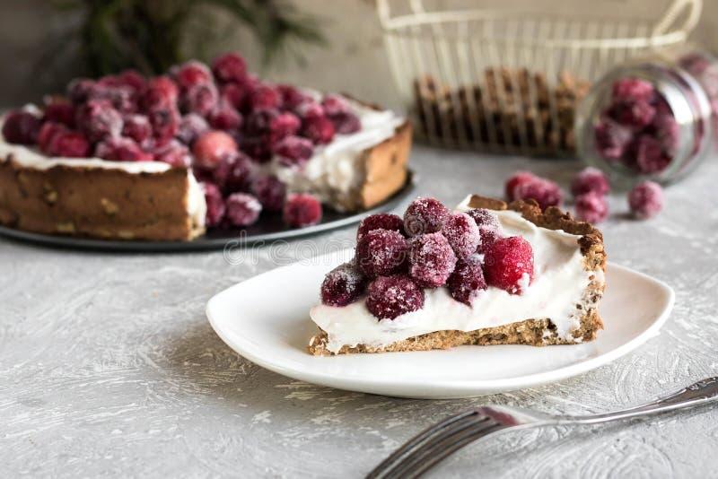 Cranberry beza z kremowym serem dla nowego roku stołu zdjęcie stock