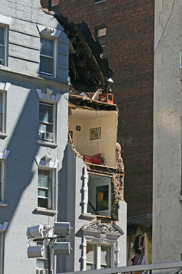 Download Crane Collapse Flatten A 4 Story Building Editorial Photo - Image: 4623231