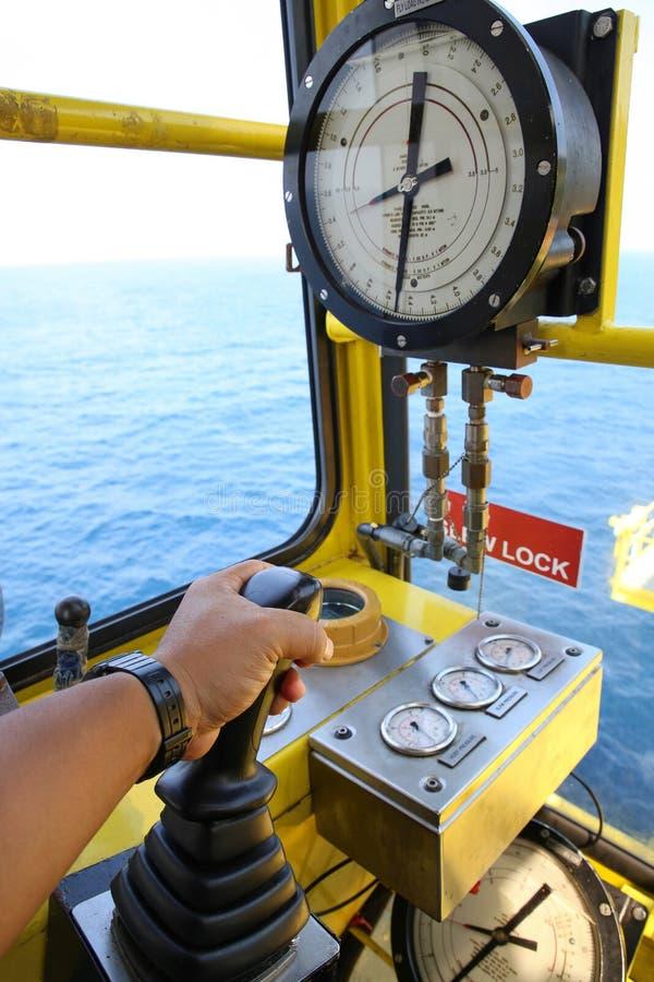 Crane la cabina de la operación para el control todo el equipo de la grúa Control de operador de grúa toda la función de la grúa  fotografía de archivo
