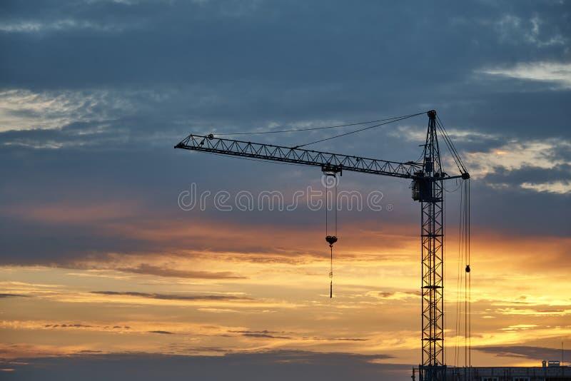 crane red tower royaltyfria foton