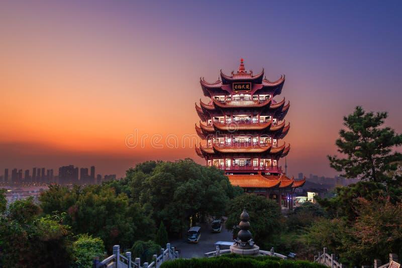 Crane Tower amarelo em Wuhan, China fotografia de stock royalty free