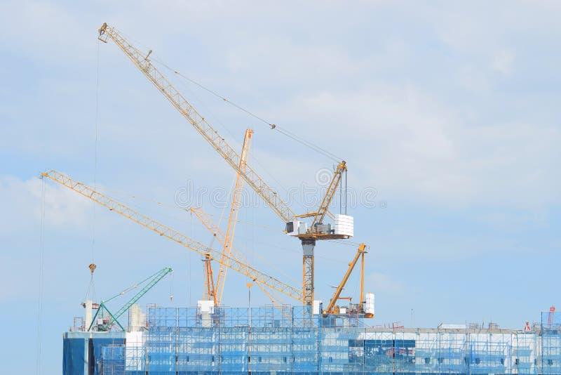 Cranes la construcción industrial fotos de archivo libres de regalías