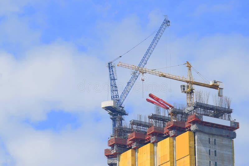 Cranes la construcción industrial foto de archivo libre de regalías