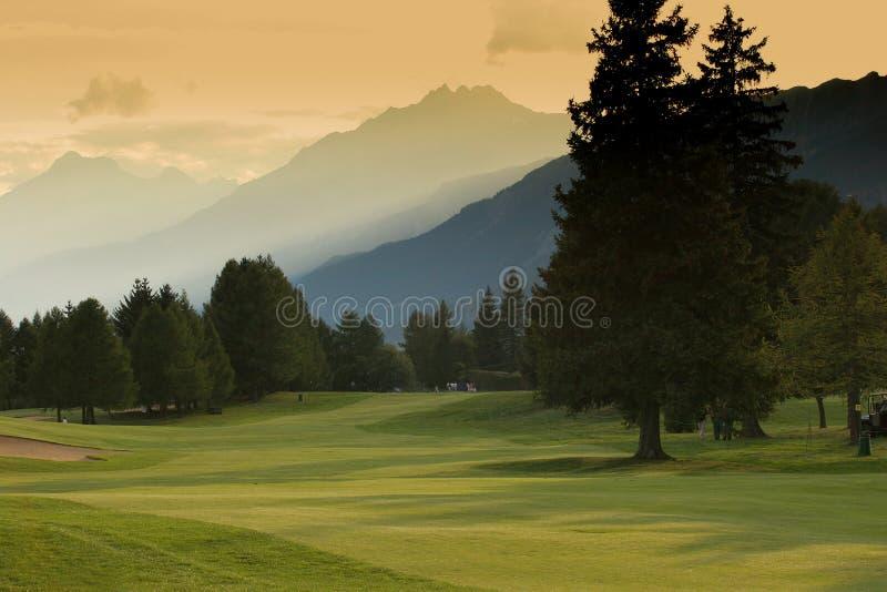 Crans-Montana golfcursus royalty-vrije stock afbeeldingen
