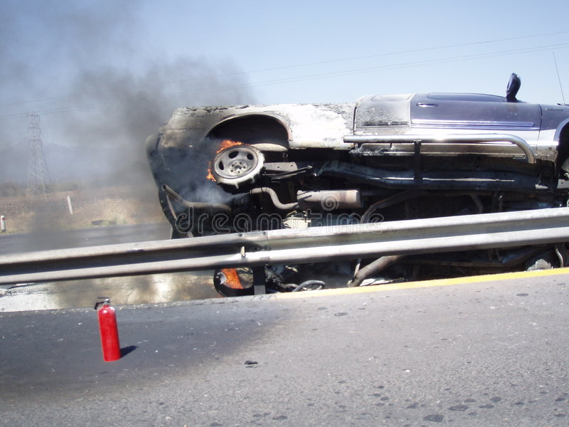 Crash de véhicule sur l'omnibus photos stock