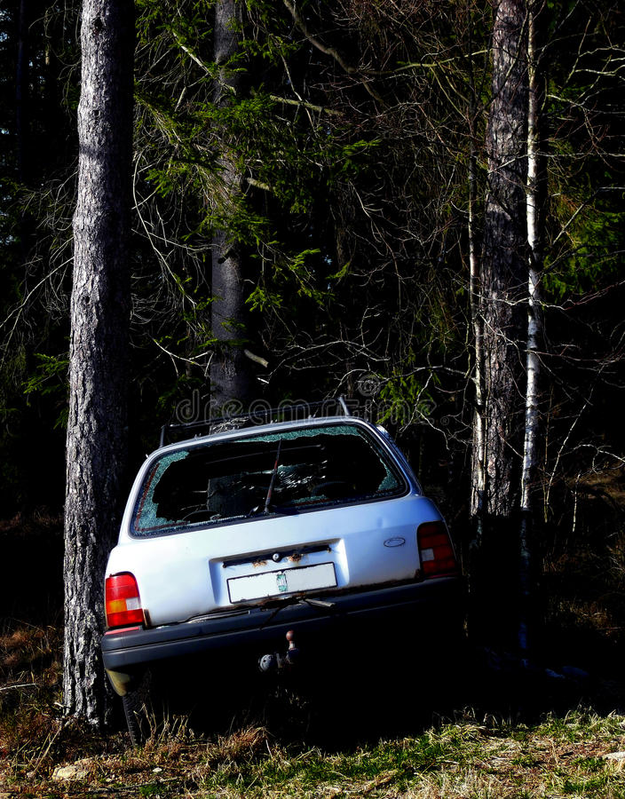 Download Crashed car stock photo. Image of trees, accident, vehicle - 15488116