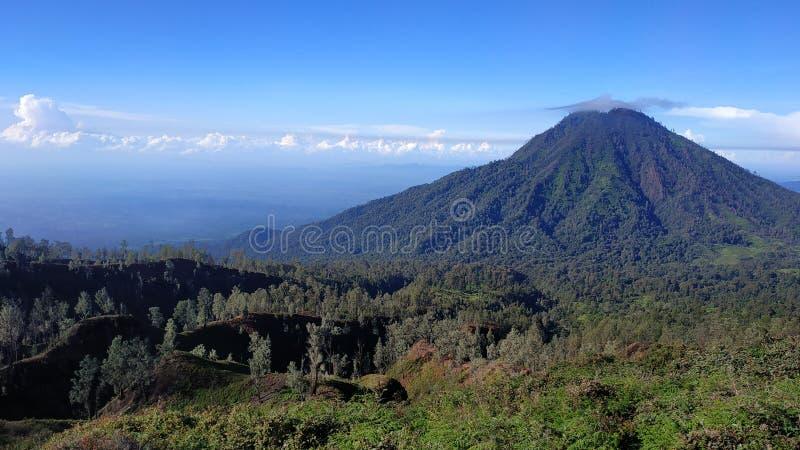Cratère d'Ijen de bâti, région de Bondowoso, Indonésie photographie stock