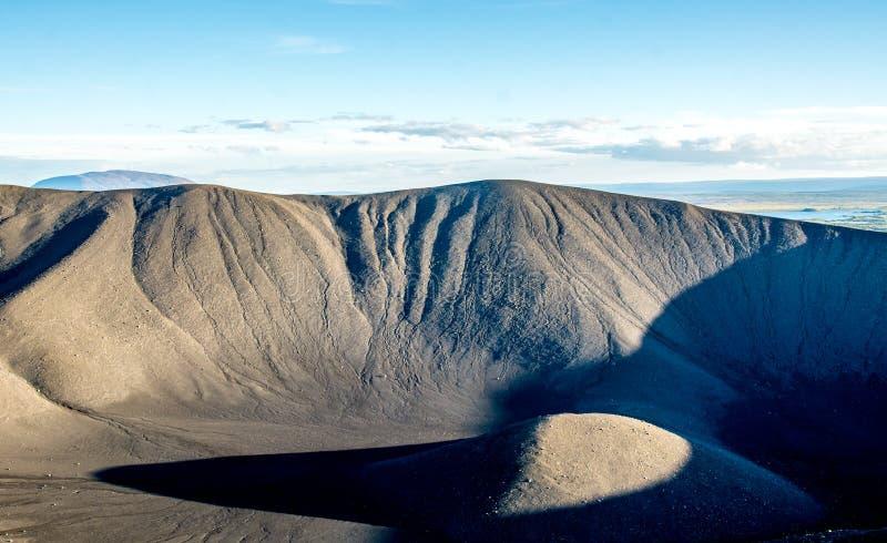 Cratère volcanique de Hverfjall près de lac Myvatn en Islande image libre de droits