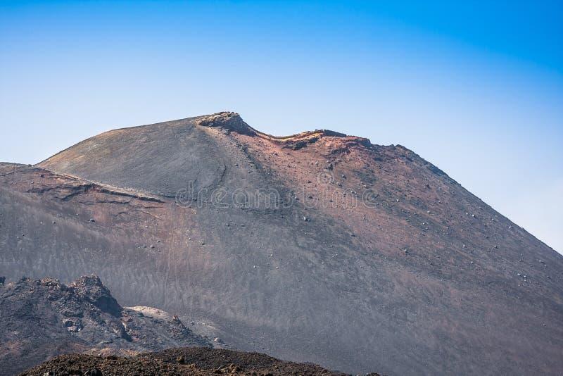 Cratères de sommet de l'Etna du panorama du sud-est, Sicile photos stock