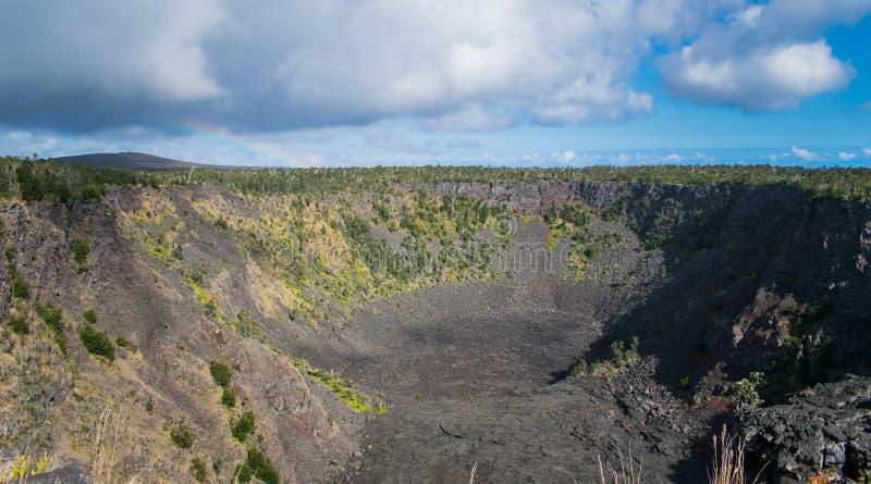 Cratera de Pauahi no parque nacional dos vulcões de Havaí fotos de stock royalty free