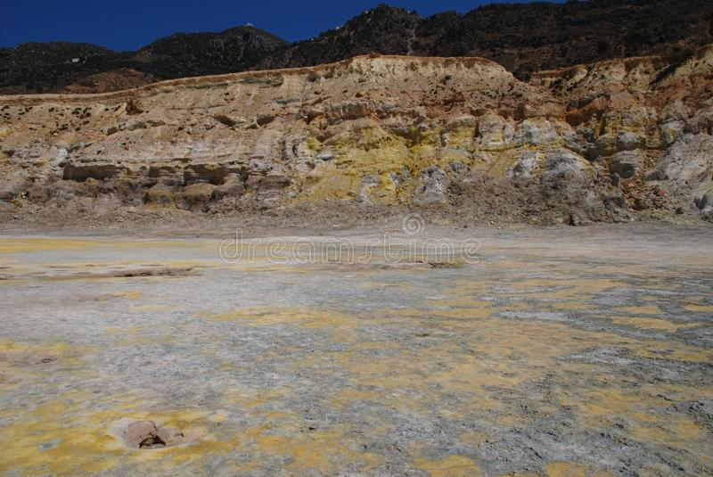 Cratera do vulcão, console de Nisyros fotografia de stock