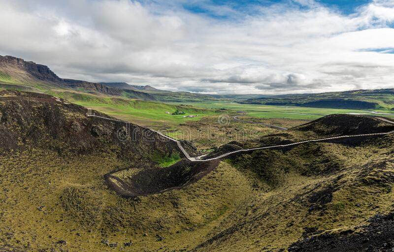 A Cratera do Vulcão Grabrok na Islândia imagens de stock royalty free