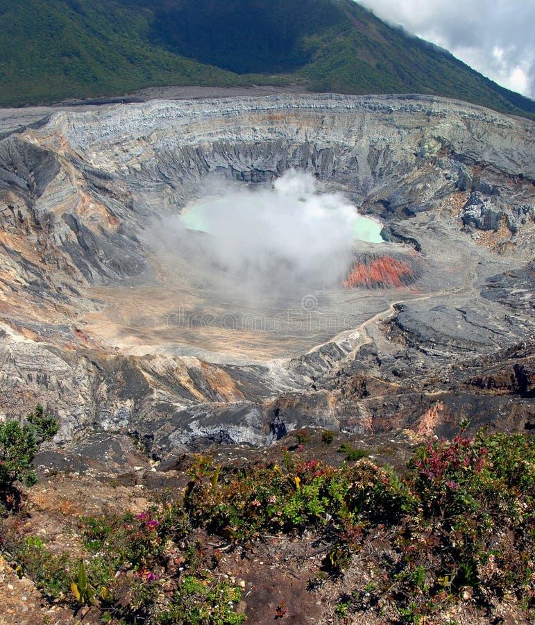 Cratere del vulcano di Poas fotografie stock libere da diritti