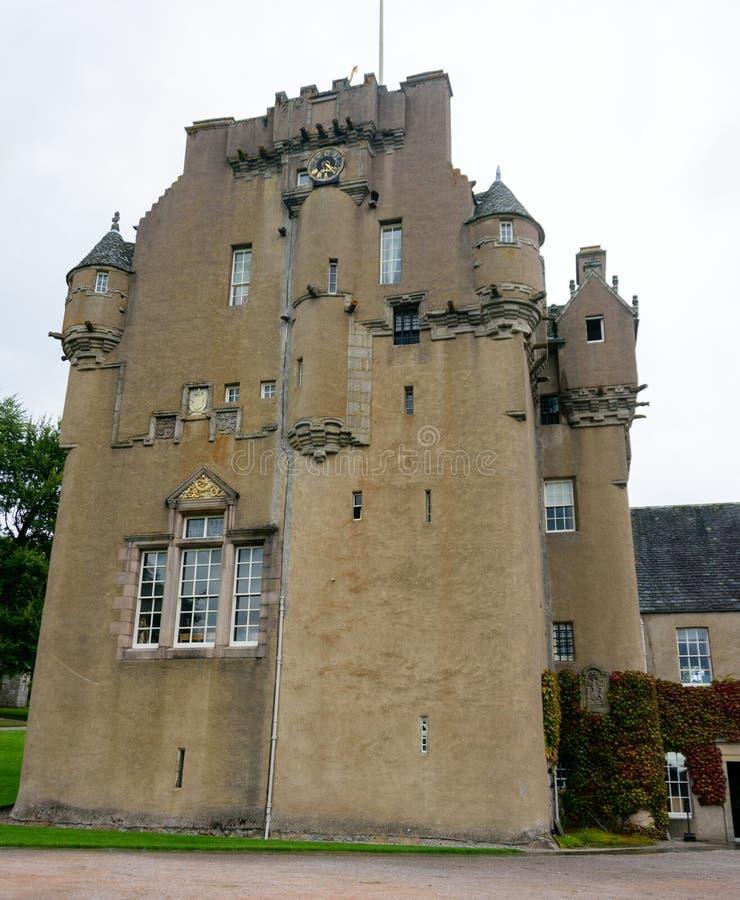 Crathes-Schloss in der Grampians-Region von Nord-Schottland lizenzfreies stockbild