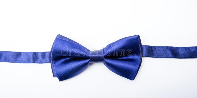 Cravatta a farfalla della correzione Nozze dello sposo Legatura della cravatta a farfalla Fine dell'arco del tessuto di tessuto s fotografia stock libera da diritti