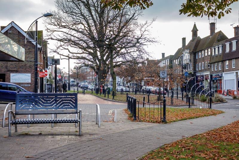 CRAWLEY, ZACHODNI SUSSEX/UK - LISTOPAD 21: Uliczna scena w Crawley fotografia stock