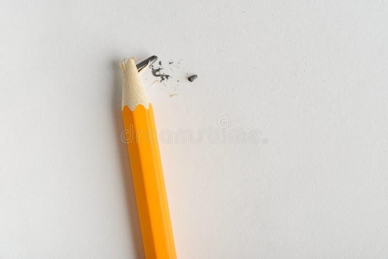Crayon avec le fil de sortie cassé photographie stock