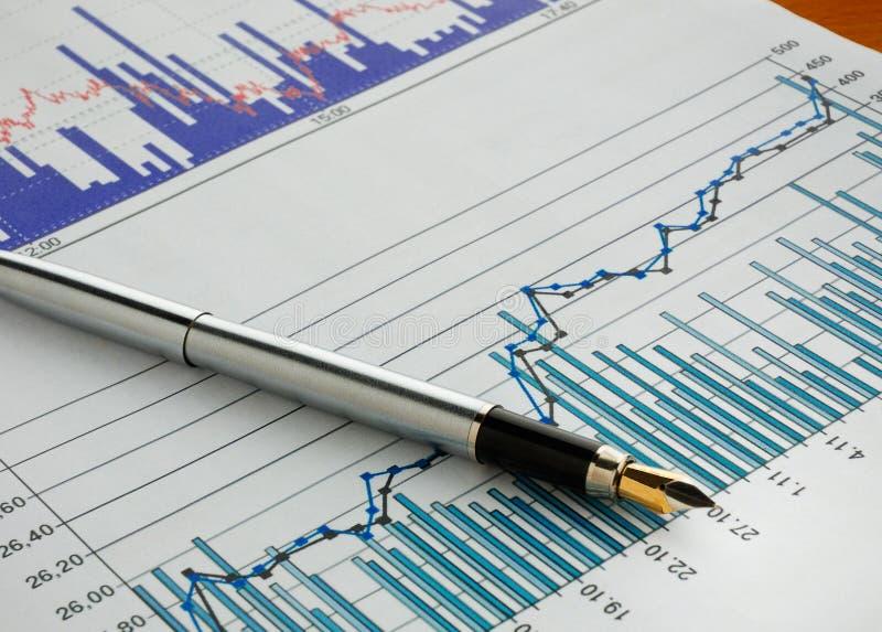 Crayon lecteur sur le diagramme courant images libres de droits