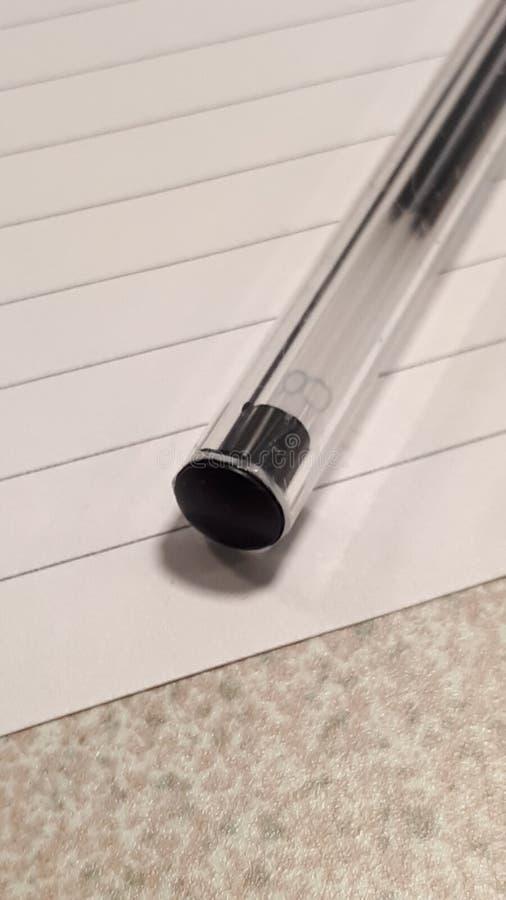 Crayon lecteur sur le papier photographie stock libre de droits